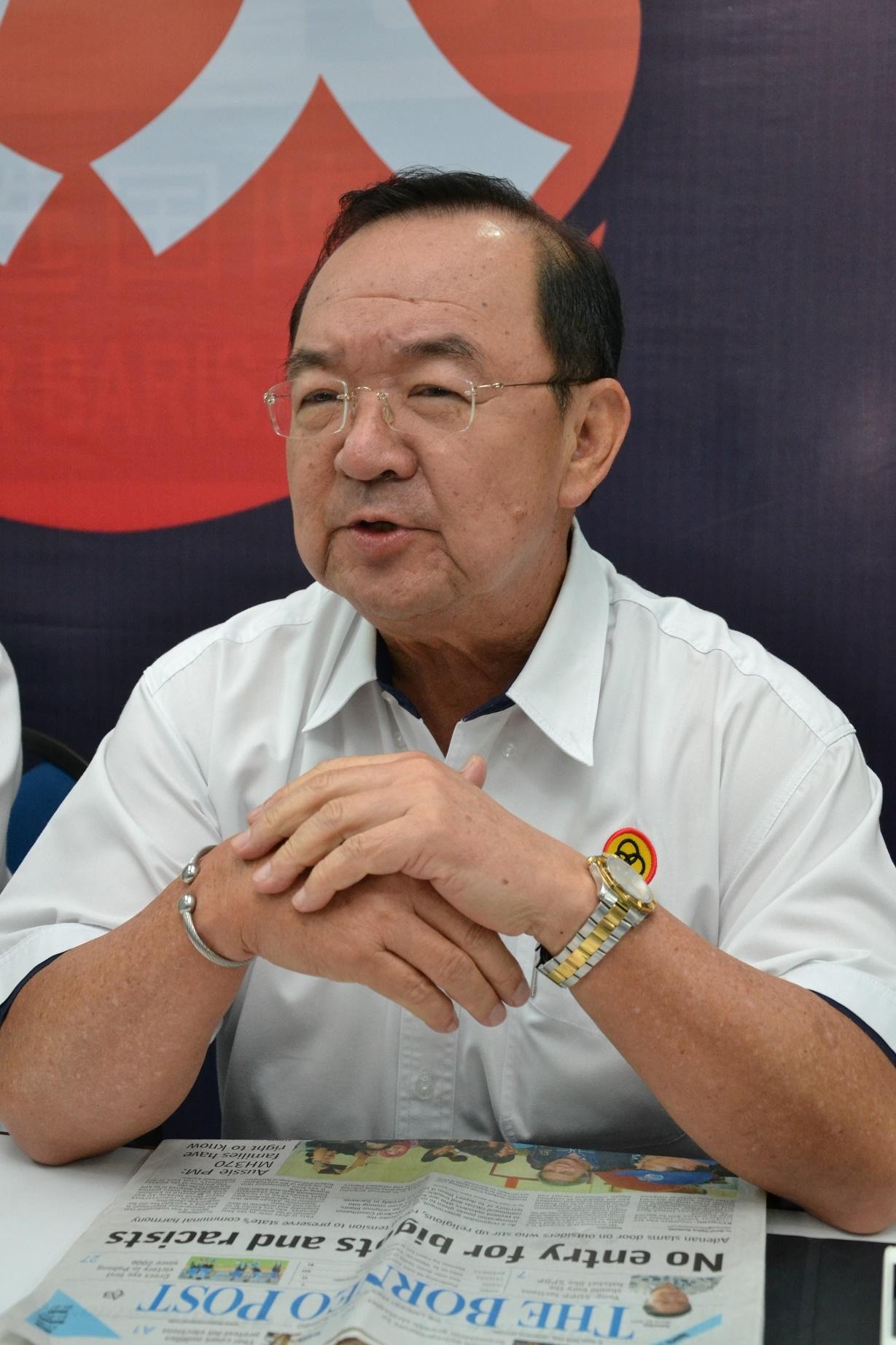 陈华贵:通过党选解决党问题。