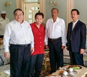 Businessman Wee Kok Tiong with Senator Datuk Dr. Sim, Chief Minister, Tan Sri Adenan Satem and Msia amb