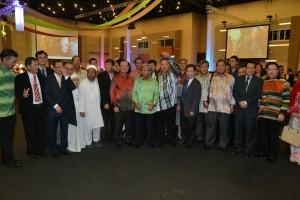 砂人联党、人民党及民进党领袖合影。