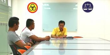 砂拉越人民联合党公共投诉局主任叶耀星与三名事主进行面谈。